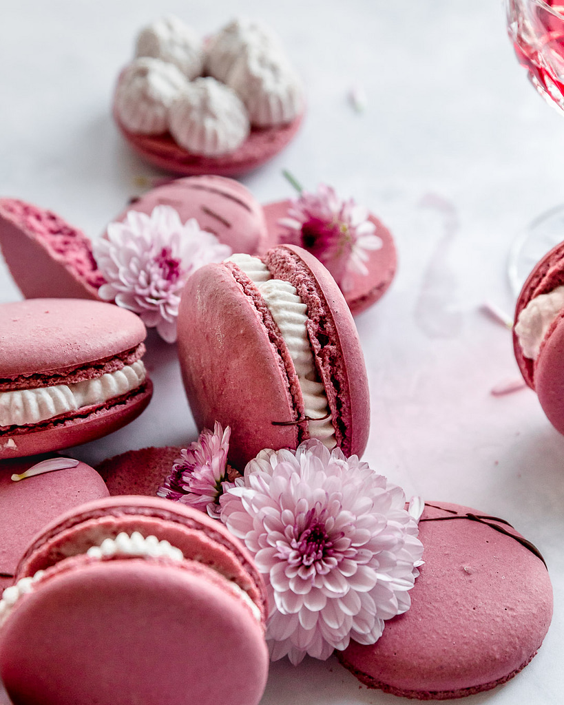 the side view of a macarons with empty shells